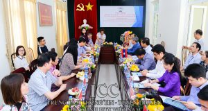 Đoàn công tác Viện Nghiên cứu kinh tế quốc gia Lào thăm HTX dịch vụ nông nghiệp Nhân Lý